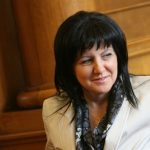 Караянчева: Депутатите не са безделници