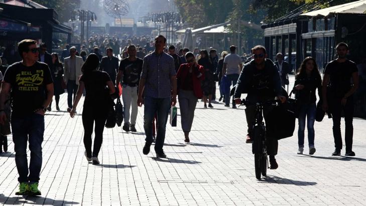 Евробарометър: Българите са най-консервативни по отношение на пола
