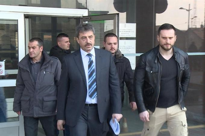 Как съдът издирва Цветан Василев
