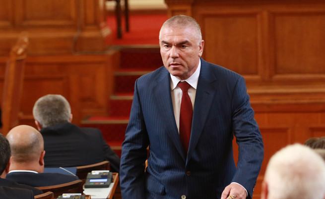 Партията на Веселин Марешки иска референдум за излизане от НАТО