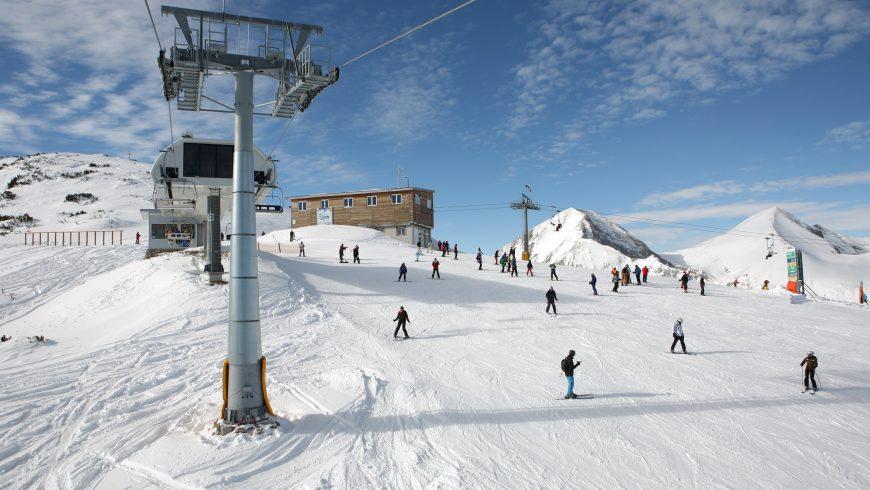 Проблеми на туроператор оставиха българските курорти без руски туристи