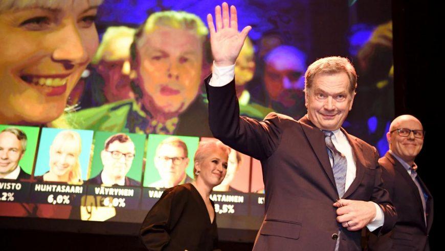 Проевропеец, но приятел на Путин. Кой е преизбраният президент на Финландия Саули Нинистьо?