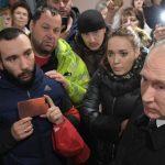 В Кемерово персоналът изоставил хората заключени в горящия мол