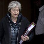 Великобритания изгони 23 руски дипломати от страната