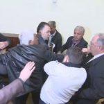 Драма и ръкопашни схватки заради Лукарски в СДС