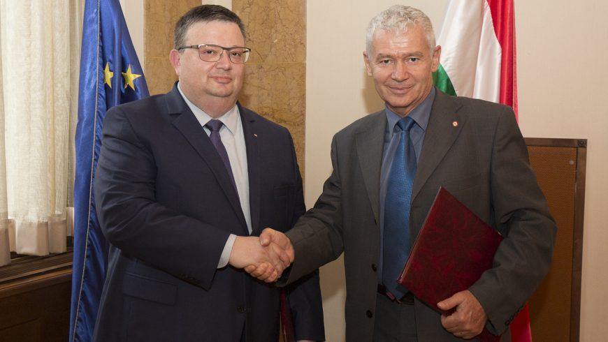 Прокуратурата на България ще обменя опит с унгарската