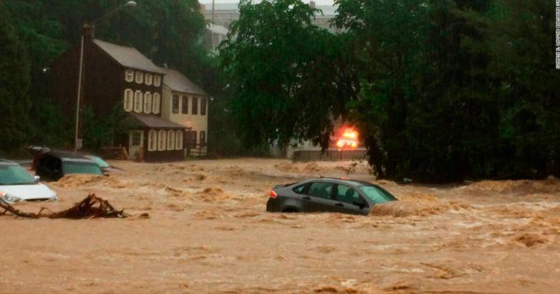 Евакуация във Флорида и в Куба заради буря