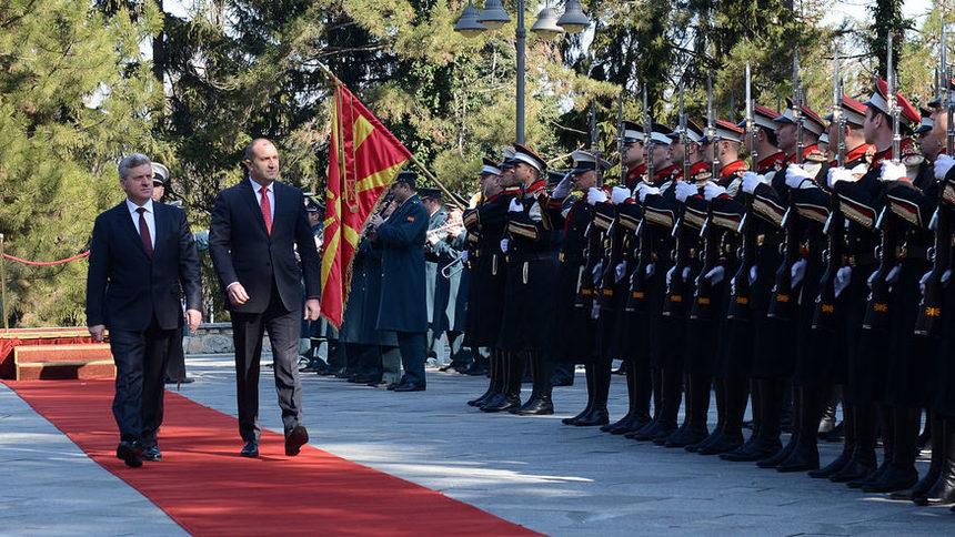 Македонският президент идва в София по покана на колегата си Радев