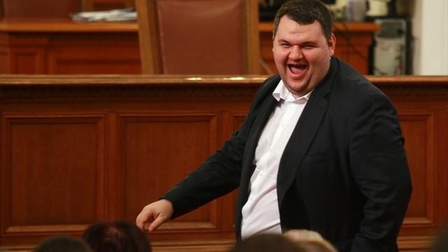 """Комисията """"Антикорупция"""" е проверила сигнал срещу Пеевски"""