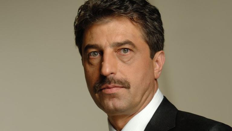 Цветан Василев: Борисов няма да излезе цял от мъртвата хватка на Пеевски