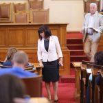Депутатите ще обсъдят вота на недоверие