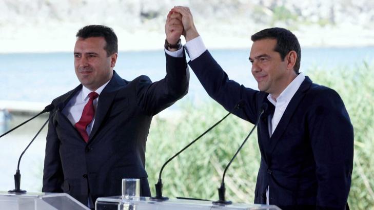 Македония и Гърция подписаха исторически договор за името