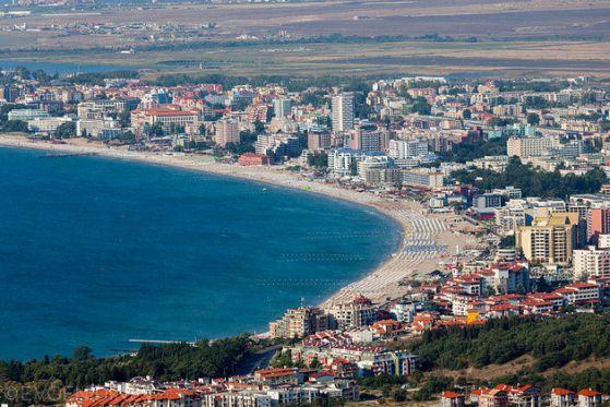 """Проверка откри 32 незаконни обекта на плажа в """"Слънчев бряг"""""""