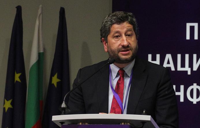 Христо Иванов: Институциите са в будна кома