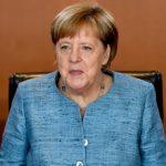 Доверието в Меркел се срива главоломно