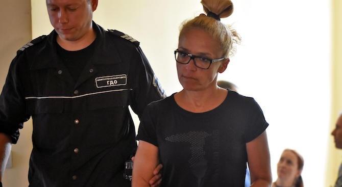 Психиатър и онколог ще извършат преглед на Десислава Иванчева