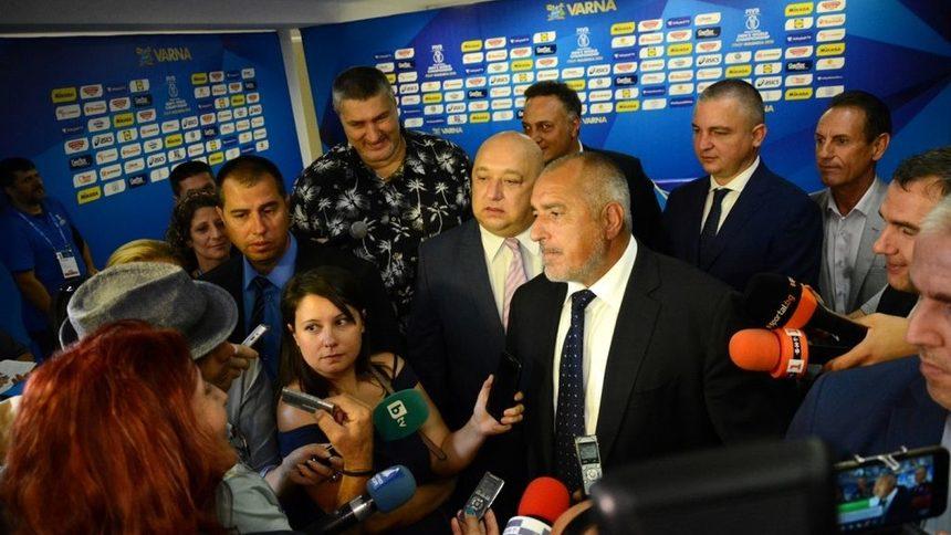 "Борисов обеща ""стотина милиона"" за ""ново кокетно стадионче"""