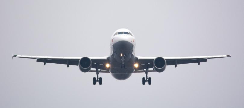 Осемнайсет души са пострадали при самолетен инцидент край Сочи