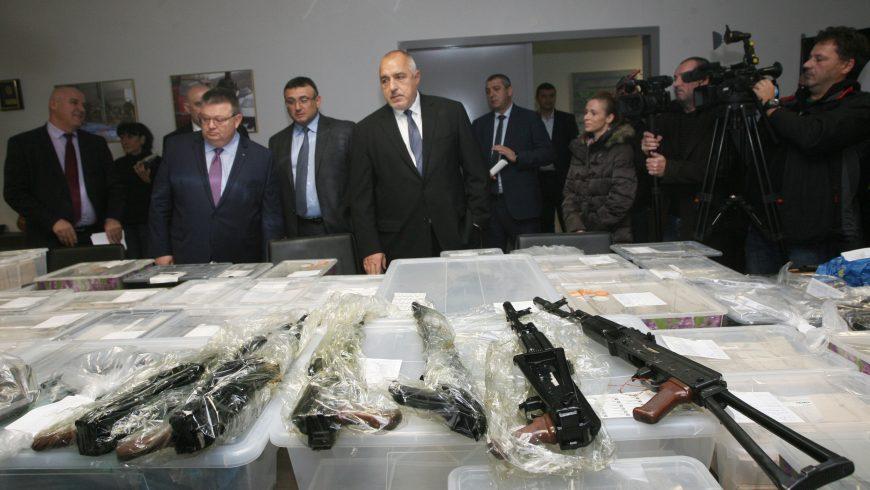 """Спецпрокуратурата възложи на полицейската служба КОС проверка на завод """"Арсенал"""""""
