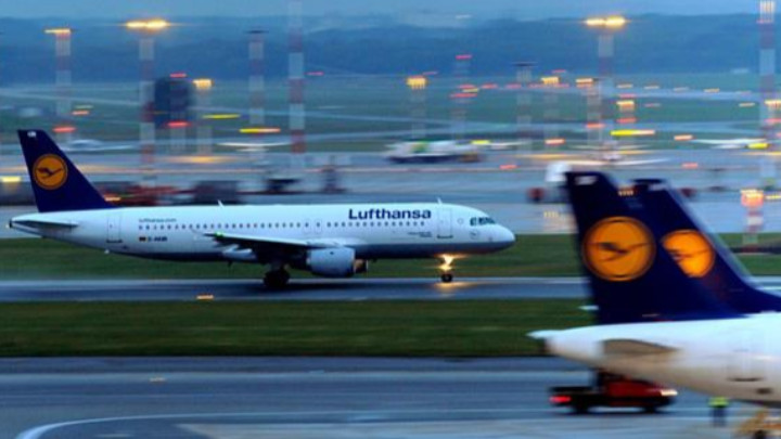 Стачка в три германски летища засегна 110 000 пътници