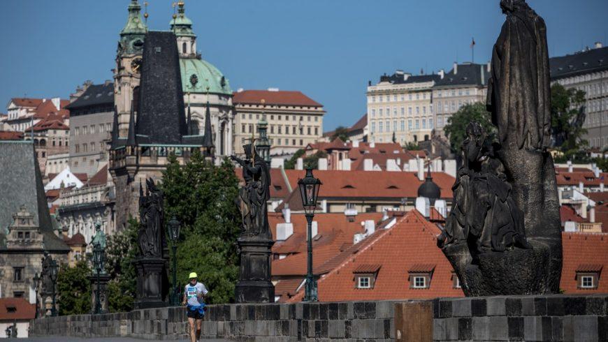 """""""Ди Велт"""": Чехия – руската база за шпионаж на ЕС"""