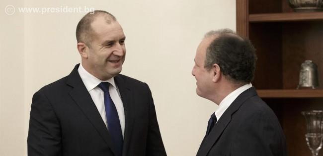 Радев призова за засилване на технологичния обмен със САЩ