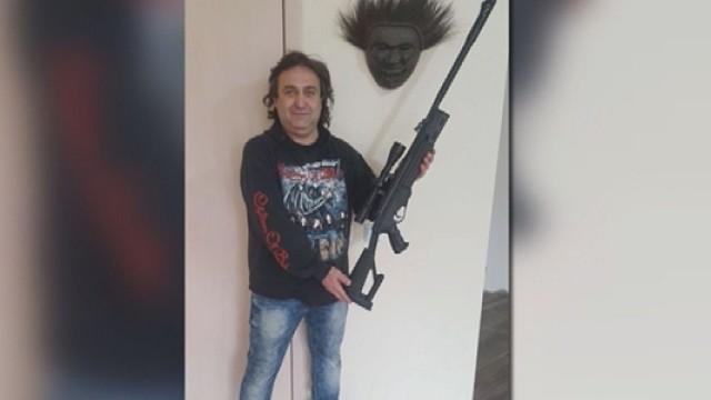 """Полицията арестува мъжа, заплашил Бойко Борисов със снимка във """"Фейсбук"""""""