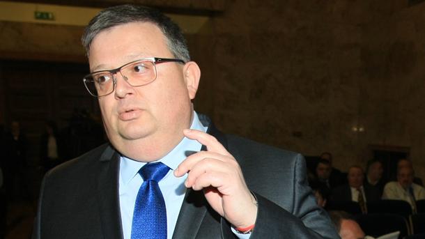 Цацаров пое инициатива за проверка на всички офшорни сметки