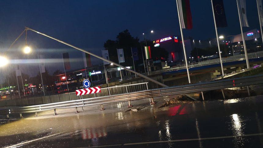 """Kръстовище във Варна пропадна часове, след като Борисов го """"откри"""""""