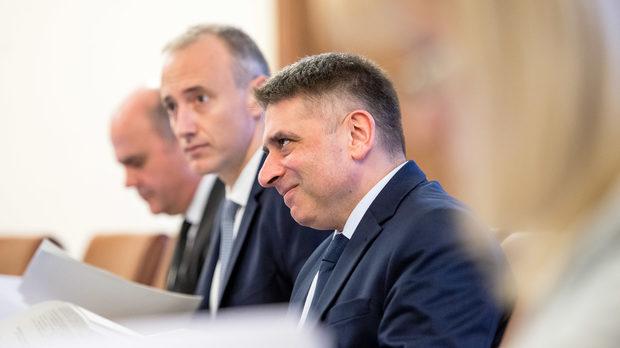 Подчинени на главния прокурор ще разследват тримата големи в съдебната система