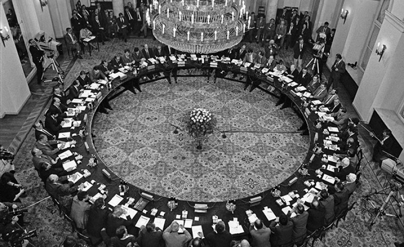 Кръглата маса от 1990 г. реши съдбата на България за десетилетия напред