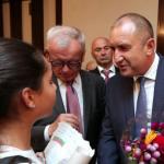 Президентът Радев поиска българите в САЩ да се върнат