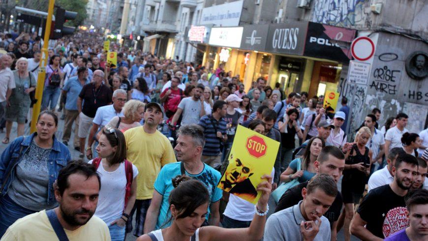 Пореден протест събра хиляди граждани срещу кандидатурата на Гешев за главен прокурор