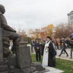 Паметникът на Симеон Радев до НДК беше осветен