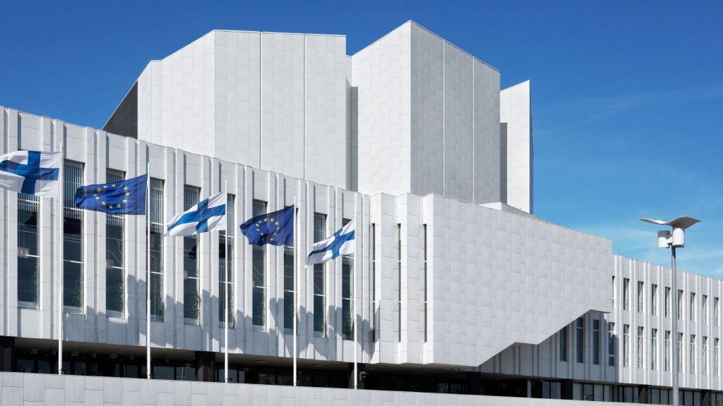 """Зала """"Финландия"""" в Хелзинки, където се провеждат най-важните заседания по време на финландското председателство на Съвета на ЕС"""