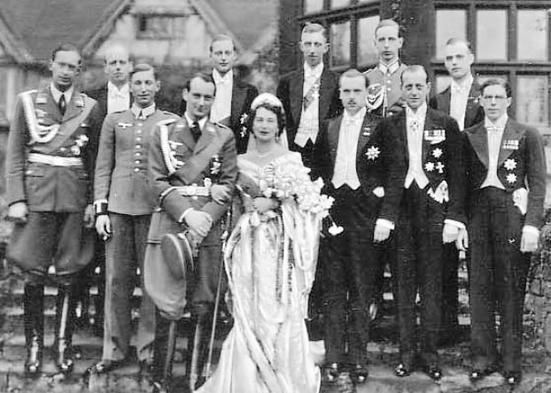 """Кръгове до Путин получават """"аристократични"""" титли от дъщерята на обергрупенфюрер на СС"""