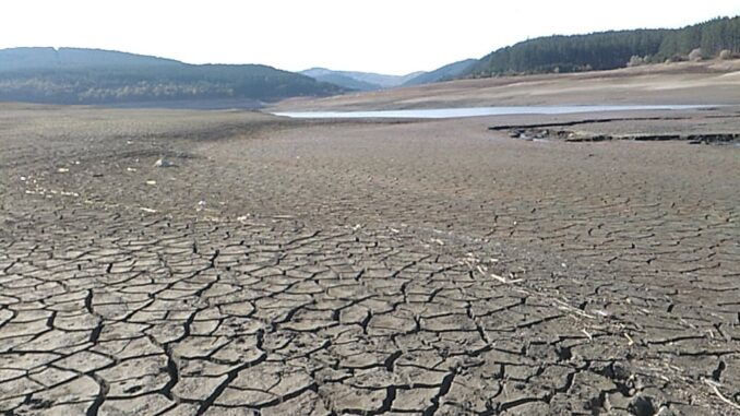 Прокуратурата разследва водната криза в Перник, няма информация за хода на делото