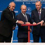 Старият Троянски кон на Русия играе на Изток срещу Запада