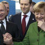 Путин печели, Меркел губи