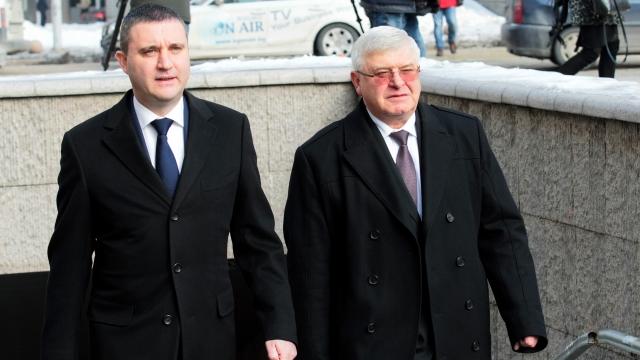 Защо Пеевски харесва новия финансов министър