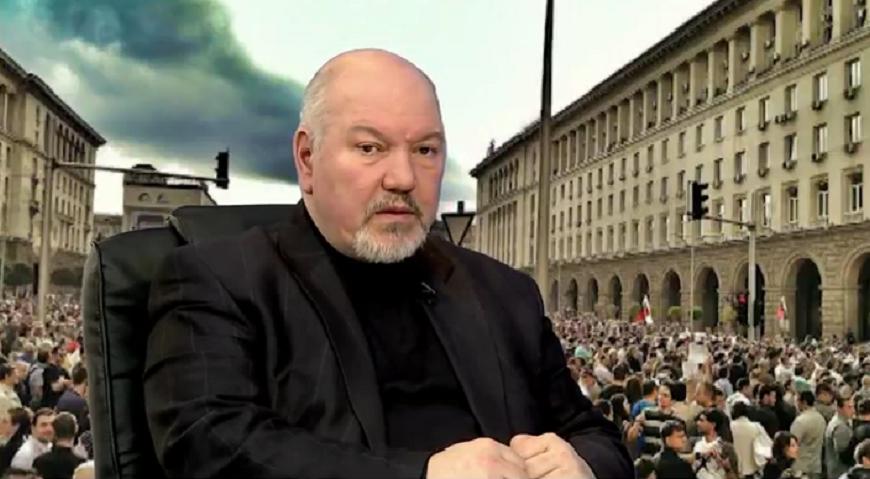 Проф. Александър Маринов: Зад привидния хаос стои сериозна стратегия, при Радев нищо не е случайно