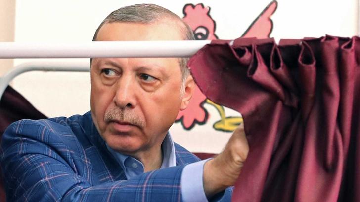 """Първите резултати от Турция са в полза на Ердоган: 63% """"Да"""" срещу 36% """"Не"""""""