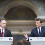 Макрон пред Путин: Москва финансира фалшиви новини