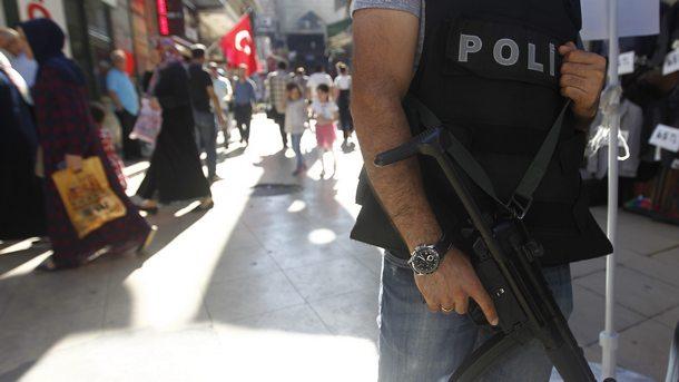 Властите в Турция искат ареста на 23 съдии и прокурори