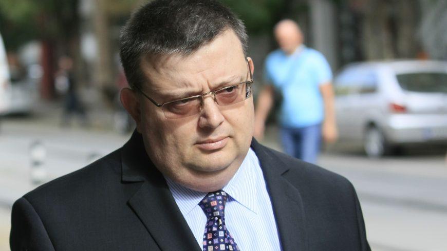 Цацаров обясни атаките срещу прокуратурата с борбата й срещу корупцията