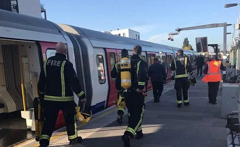 Силен взрив разтърси лондонското метро (снимки)