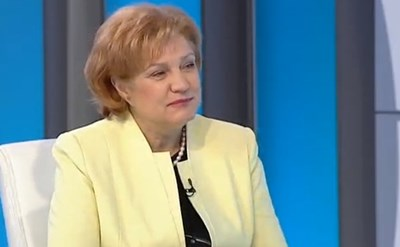 Менда Стоянова набързо раздаде 2 млрд. лв. Всичко за догодина