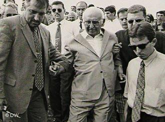 Близо половината българи предпочитали живота при Тодор Живков