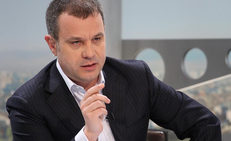 Кошлуков показа среден пръст в предаването си в БНТ