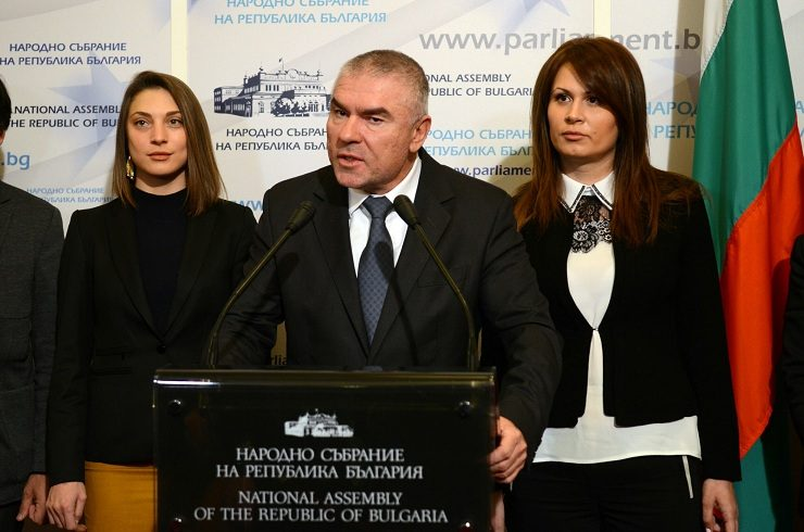 Марешки: Каракачанов не спазва приоритетите на българското общество